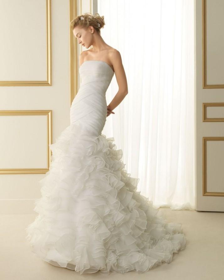 look de novia con el vestido de corte sirena tokio - egovolo